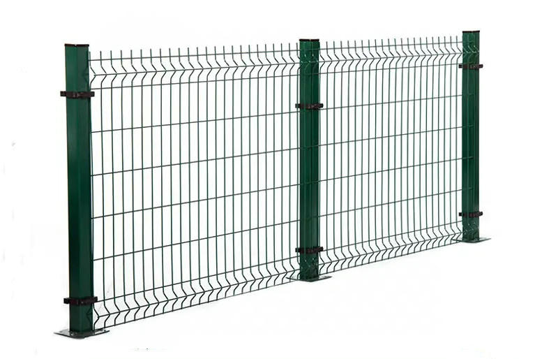Curvy welded mesh panels